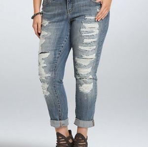 Torrid size 24 boyfriend jeans
